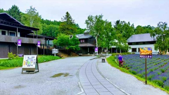 ファーム富田の蒸留の家