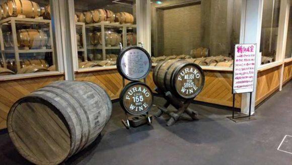 ふらのワイン工場の地下熟成庫