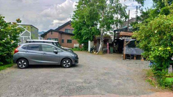 富良野オムカレーおすすめ唯我独尊の駐車場