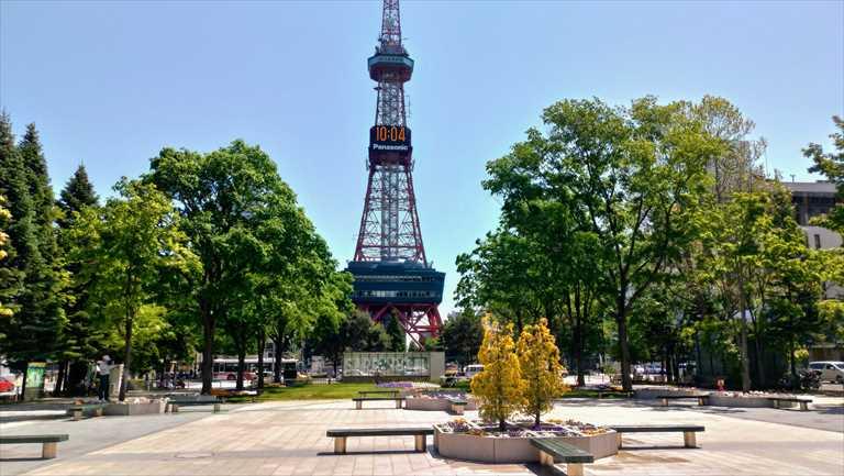 大通公園から見たさっぽろテレビ塔