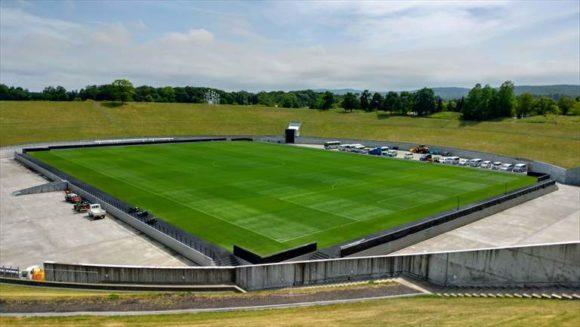札幌ドームのホヴァリングサッカーステージ