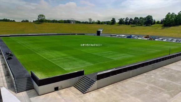 札幌ドームの天然芝サッカーグラウンド