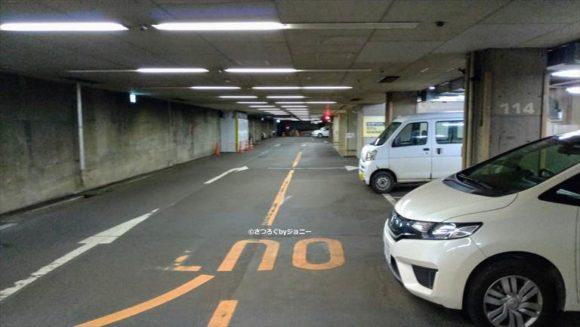 センチュリーロイヤルホテルの駐車場