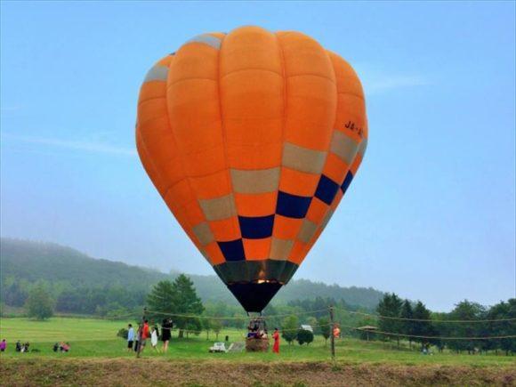 十勝エリアの早朝熱気球