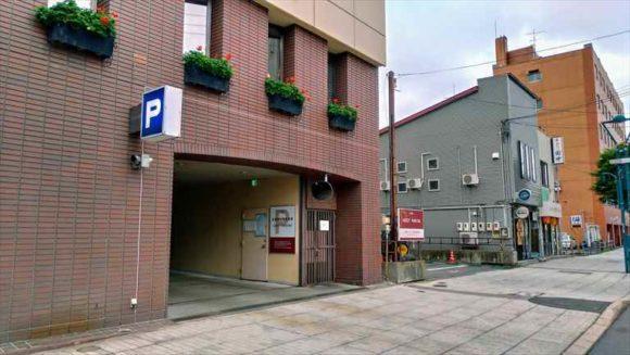 ふく井ホテルの駐車場