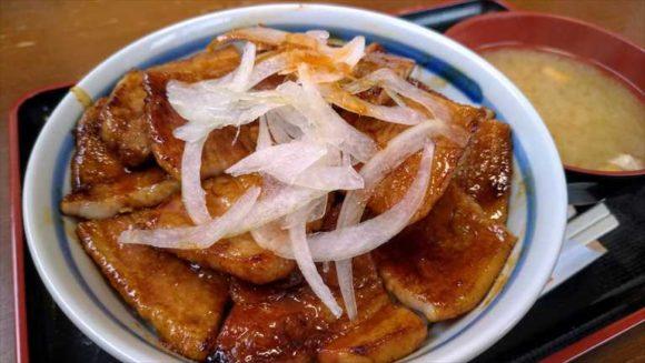 とん田(帯広)おすすめ豚丼「オニオンのせ」