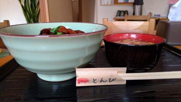 帯広豚丼専門店「とんび」の豚丼ミックス