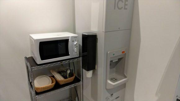 JR東日本ホテルメッツ札幌の電子レンジと製氷機