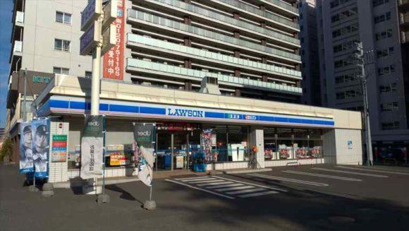 プレミアホテル TSUBAKI 札幌前のローソン