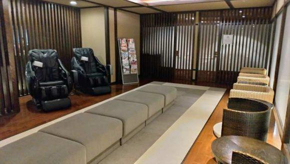 しこつ湖鶴雅リゾートスパ水の謌のマッサージチェア(1階)