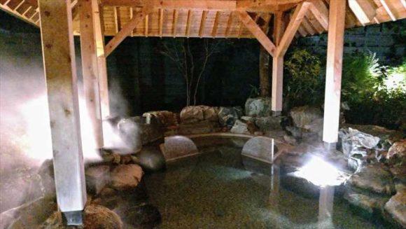 しこつ湖鶴雅リゾートスパ水の謌の露天風呂