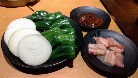 焼肉きんぐのサンチュ&野菜