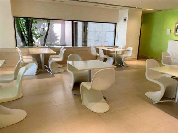 六花亭帯広本店2階喫茶室