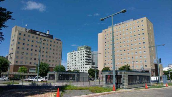 JR帯広駅北口前から見えるホテル