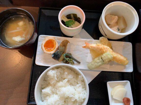 WBFフォーステイの朝食「四季彩御膳」