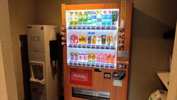 ホテルウィングインターナショナル札幌すすきのの自動販売機
