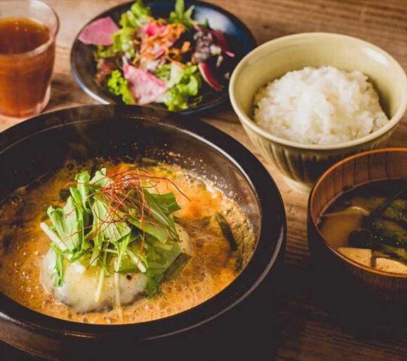 「キムチ鍋ハンバーグ」