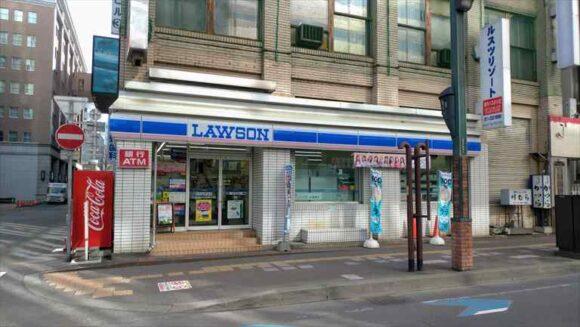 ソラリア西鉄ホテル札幌近くのコンビニ