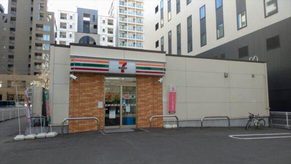 札幌グランベルホテル横のセブンイレブン