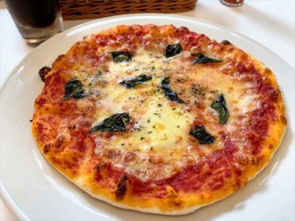 六花亭札幌本店喫茶室おすすめランチ「マルゲリータピザ」