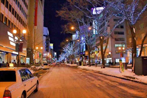 札幌すすきのから新千歳空港へタクシー移動中