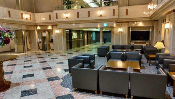 エアターミナルホテルのフロントロビー