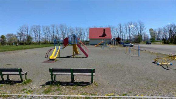 三重湖公園キャンプ場の遊具