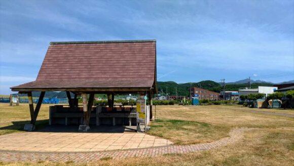 浜益川下海浜公園キャンプ場の炊事棟
