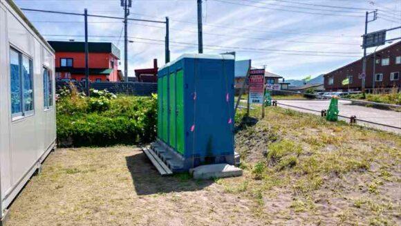ピリカビーチの仮設トイレ