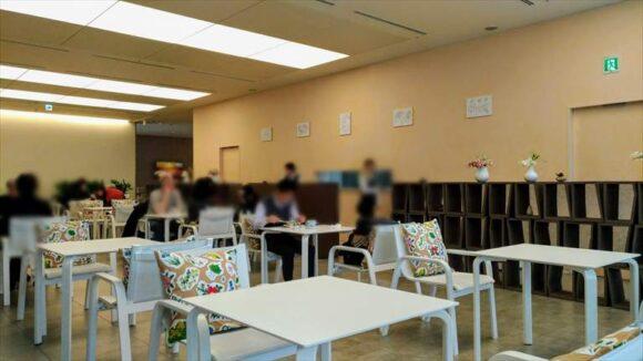 六花亭札幌本店2階喫茶室
