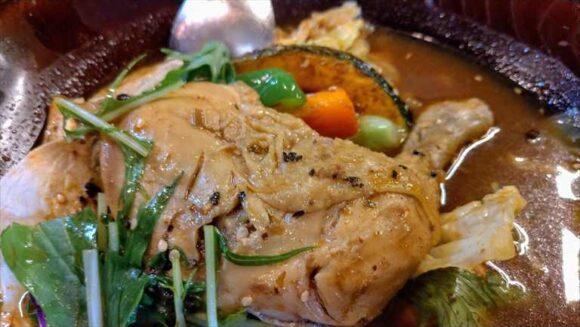 ネイビーズ(NAVY'S)おすすめ「鶏三昧のスープカレー」