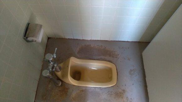 北村中央公園ふれあい広場キャンプ場のトイレ