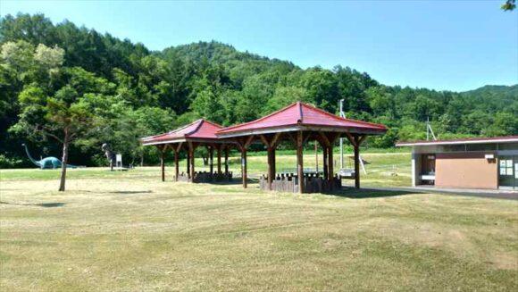 ファミリーランドみかさ遊園キャンプ場のBBQ小屋