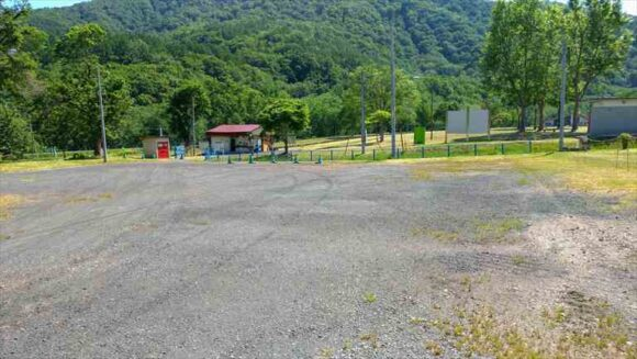 ファミリーランドみかさ遊園キャンプ場の駐車場