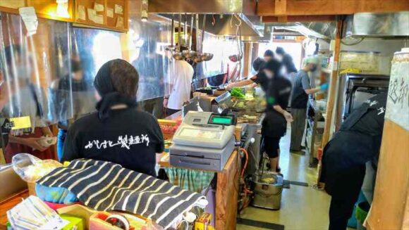 かばと製麺所の店員さん