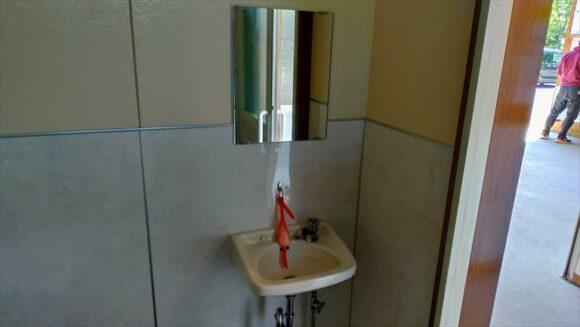 北広島市自然の森キャンプ場のトイレ