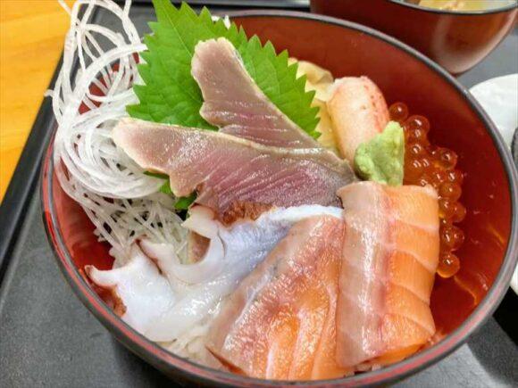 近藤昇商店 寿司処けいらんの日替わり海鮮丼
