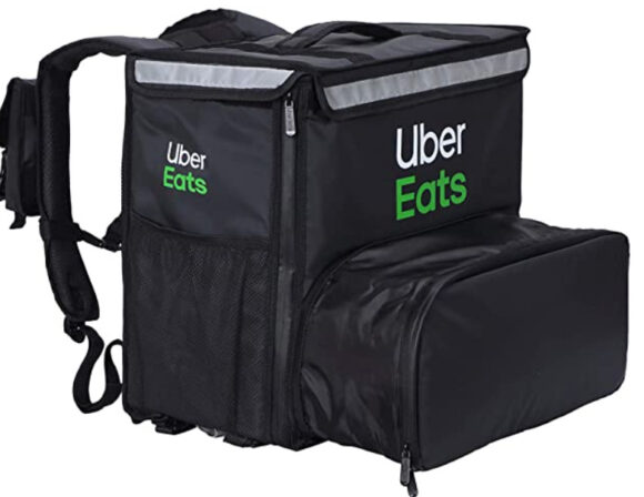Uber Eats のロゴ入りバッグ
