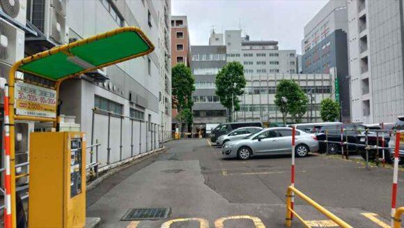 フィーノホテル札幌大通近くの駐車場