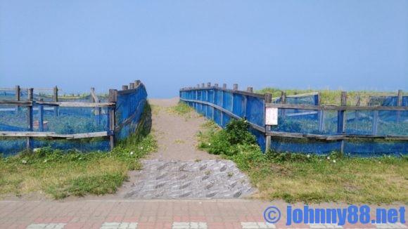 川下海浜キャンプ場からピリカビーチへの道