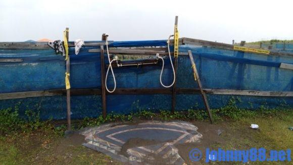 浜益川下海浜公園の無料冷水シャワー