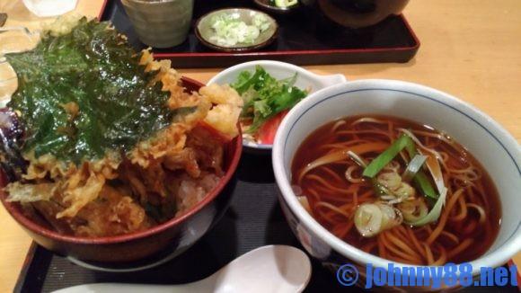 札幌市豊平区にある手打ちそば大草のの天丼セット