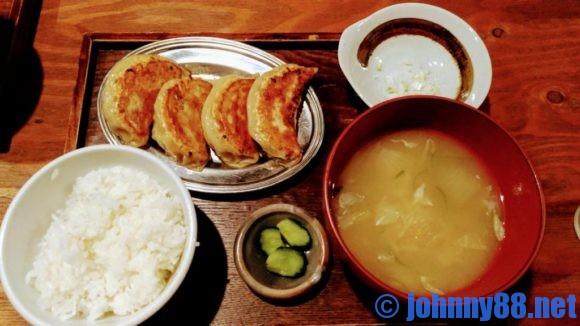 大粒餃子定食(1080円)