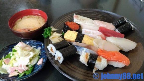 江戸金寿司のランチ寿し1.5人前(950円)