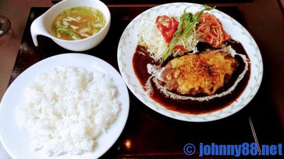 札幌市東区の洋食レストランゆっぴーのチーズハンバーグステーキ