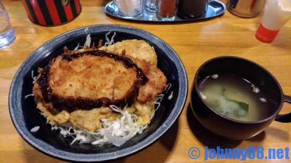 30年以上札幌市民に愛されている難波のかつ丼(630円)