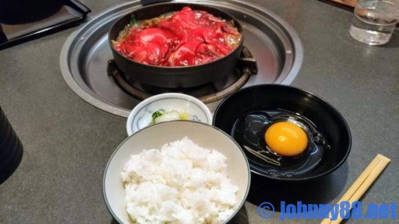 牛屋江戸八のすき焼きとタマゴ