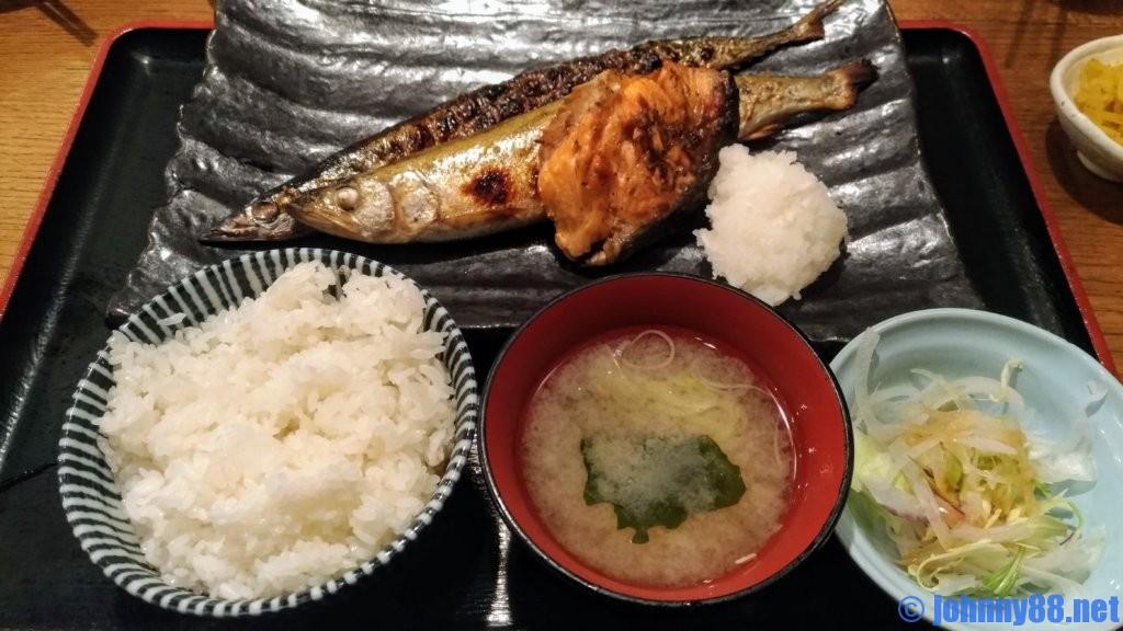 一夜 干し と 海鮮 丼 でき た て 屋