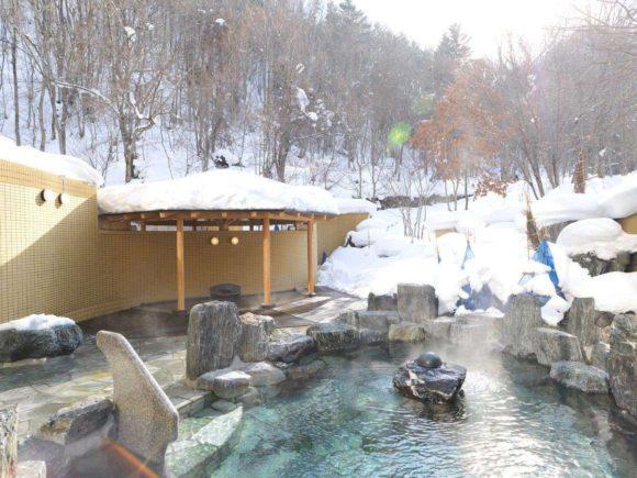 定山渓鶴雅リゾートスパ森の謌の露天風呂