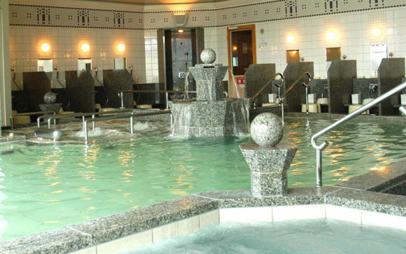 ホテルモントレエーデルホフ札幌カルロビ バリ スパ画像